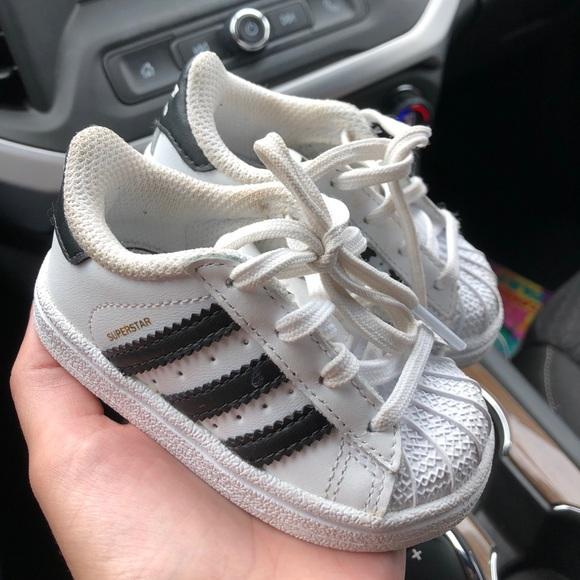 Adidas Superstar Tennis Shoes Size 4k